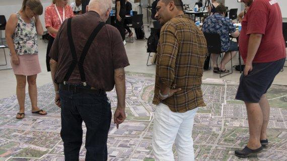Borgersamling i Albertslund Kommune - to mænd i dialog